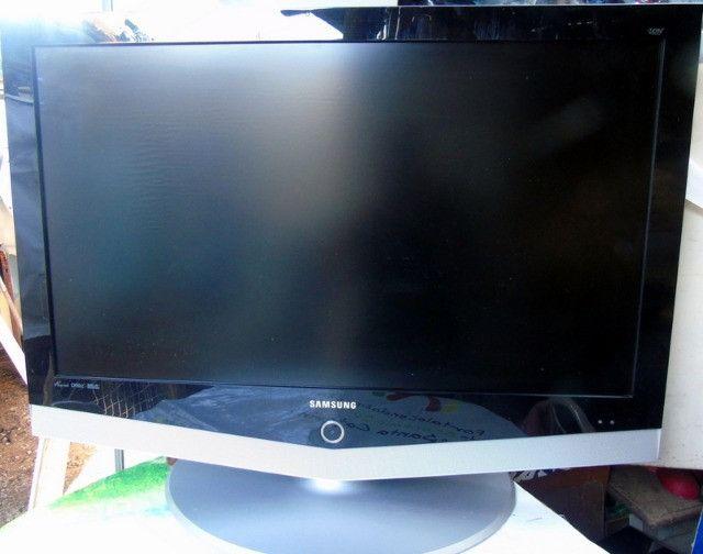 Samsung Tv Lcd 40 Polegadas com Mancha Na Tela - Foto 3