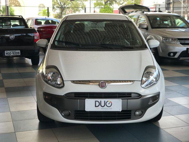 Fiat Punto 1.6 Essence - Bem Conservado!