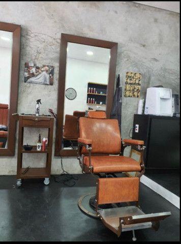 Barbearia passa o ponto com clientes fidelizados
