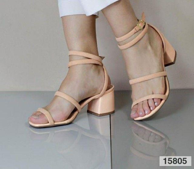 Sandália salto bloco médio  - Foto 2