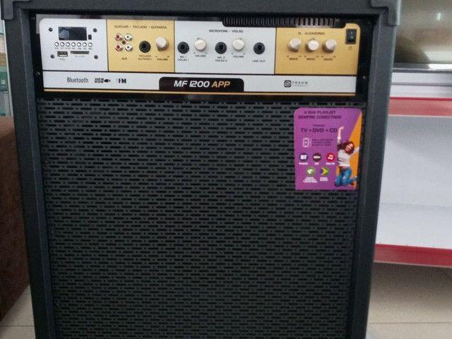 Caixa amplificada de 1200 watts