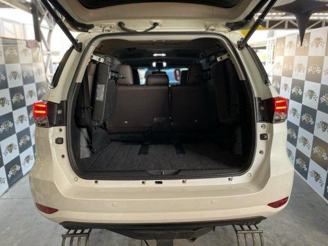 Toyota hilux sw4 2019 2.8 srx 4x4 7 lugares 16v turbo intercooler diesel 4p automÁtico - Foto 13