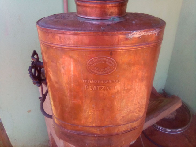 Bomba pulverizacao de cobre antiga