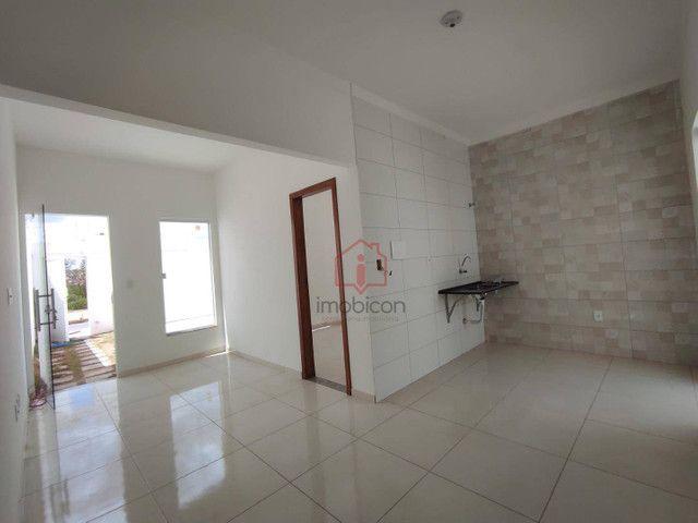 Casa com 3 dormitórios para alugar, 73 m² por R$ 750,00/mês - Lot. Cidade Serrinha - Vitór - Foto 2