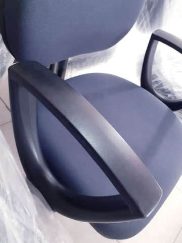 Cadeiras germinada - longarina - com braço 3 lugares - Foto 2