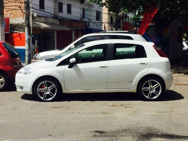 fiat punto 1 4 roda 17 pneus novos 2010 carros narandiba salvador olx. Black Bedroom Furniture Sets. Home Design Ideas