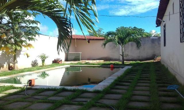 Casa em Pacatuba/CE - 03 quartos, piscina e 02 pontos comerciais
