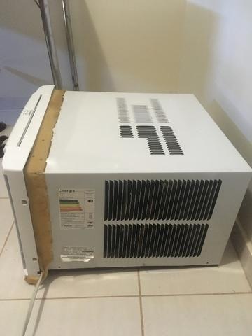46eced507 Ar-condicionado Consul CCN10DB Frio 10.000 BTUs com Dupla Saída de Ar Usado  para Janela