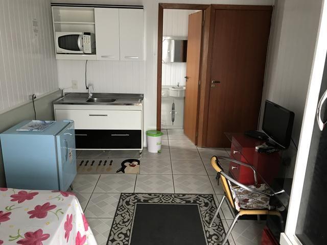QUITINETES mobiliadas, com internet, Nettv, camareira e lavanderia cortesia p/hospede - Foto 20