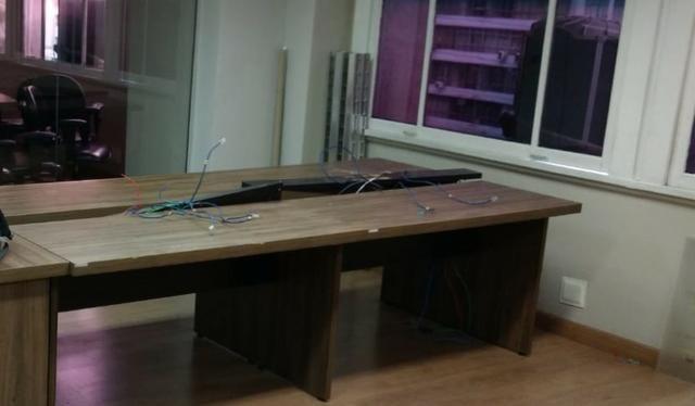 Bancada com 4 mesas de escritório - Medidas: 1,20X0,65X0,74 (por mesa)