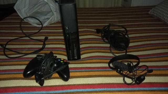 Vendo Xbox 360 bloqueado em ótimo estado e com 5 jogos no HD e garantia! Leia descrição!