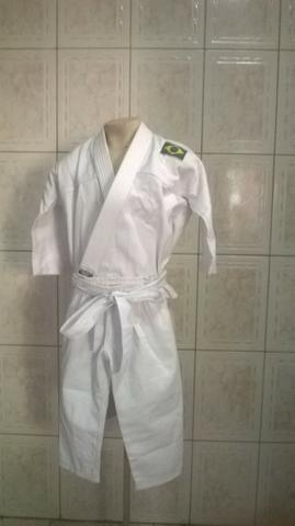 Kimono MOO Branco (03 a 04 anos idade) produtos novos e embalados