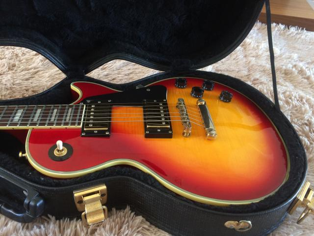 Guitarra Epiphone Les Paul Custom com case - Foto 3
