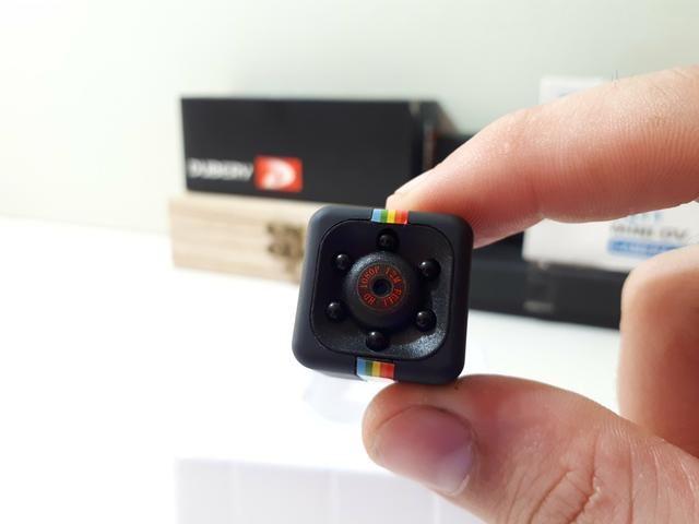 Mini Câmera Filma em HD Portátil Cabe no Seu Bolso Leve Pra Qualquer Lugar