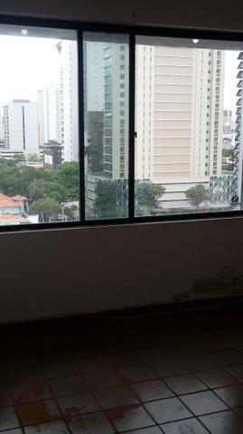 Sala próximo da CERT com 30 m2 02 divisórias 8º andar - Foto 14