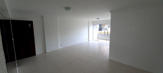 Apartamento na Ponta Verde (Edf.Eça De Queiroz) Oportunidade - Foto 14