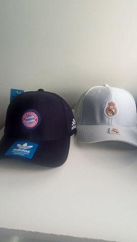 Bonés Real Madrid e Bayern de Munchen