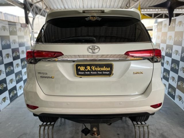 Toyota hilux sw4 2019 2.8 srx 4x4 7 lugares 16v turbo intercooler diesel 4p automÁtico - Foto 6
