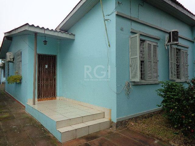 Casa à venda com 2 dormitórios em Vila ipiranga, Porto alegre cod:HM69