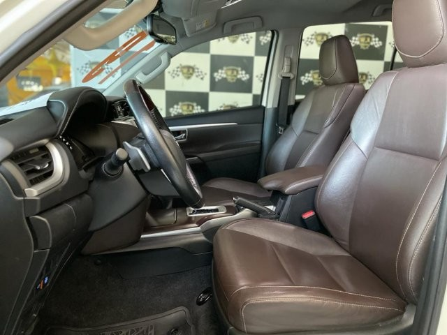 Toyota hilux sw4 2019 2.8 srx 4x4 7 lugares 16v turbo intercooler diesel 4p automÁtico - Foto 9