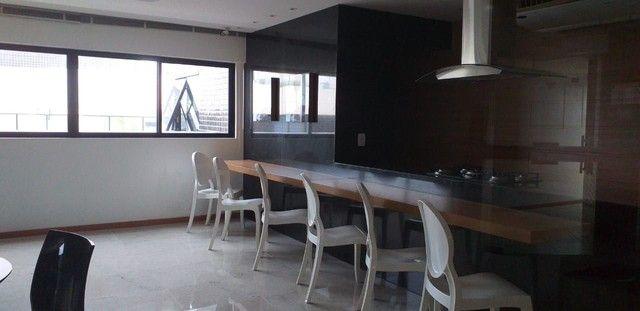 Apartamento Q.S com móveis fixos. - Foto 2