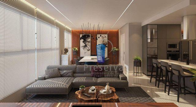ENTREGA PARA 2024. Apartamento diferenciado, com amplo terraço e único no andar, no Centro - Foto 2