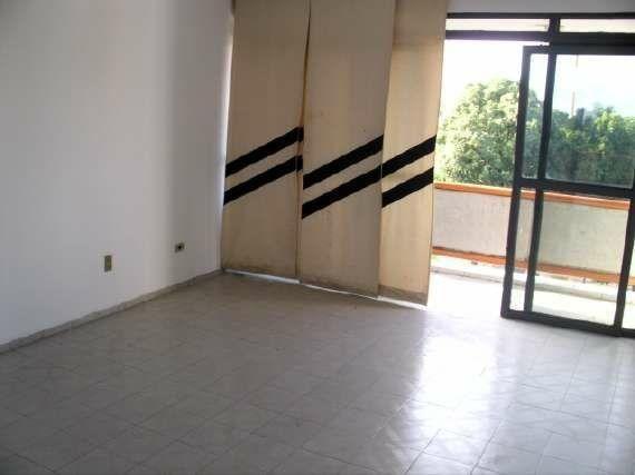 Ótimo apartamento no Bairro Cabral