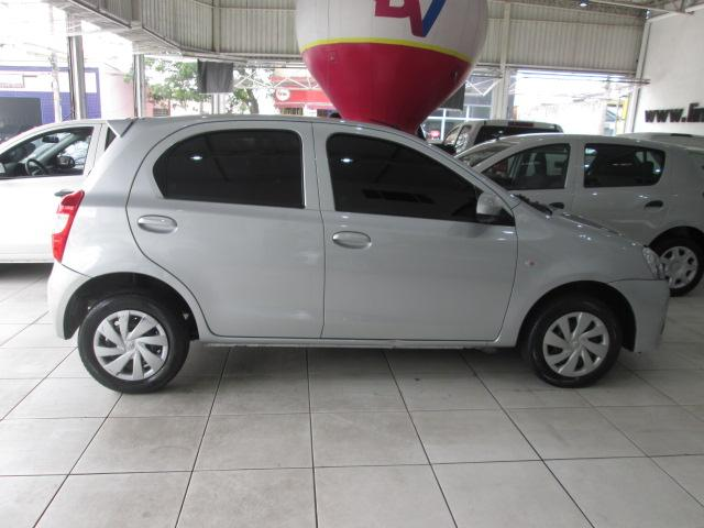 Toyota Etios Hatch Etios X 1.3 (Flex) - Foto 4