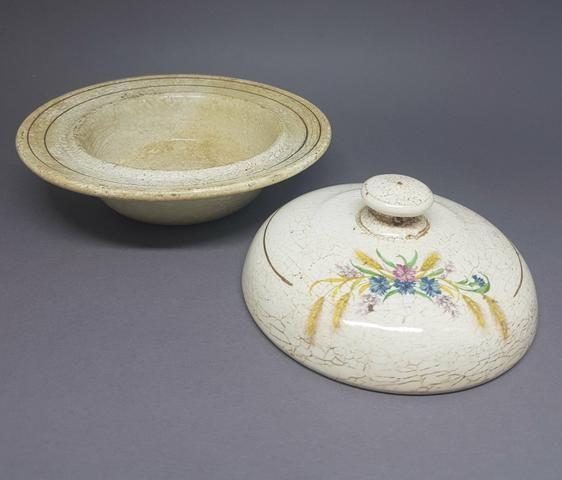 Manteigueira de Porcelana - ANTIGUIDADE - Foto 4