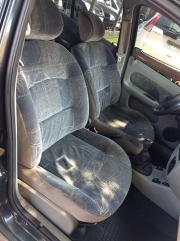 Clio sedan 1.6 - Foto 6