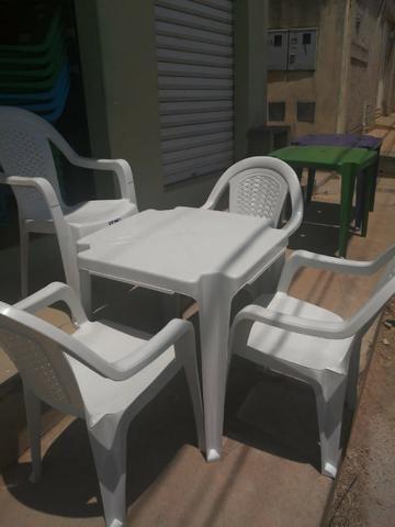 Imperdível- Conjunto de mesa c 4 cadeiras resistente - Foto 3