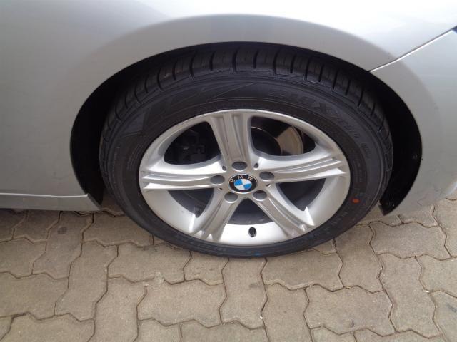 BMW 320I 2015/2015 2.0 SPORT 16V TURBO ACTIVE FLEX 4P AUTOMÁTICO - Foto 11