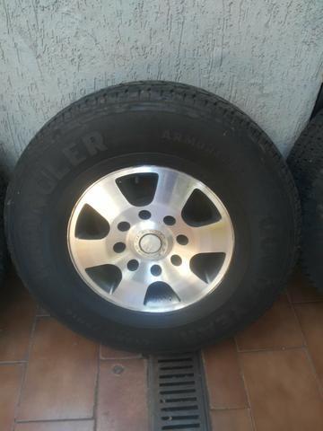 Rodas f250 com pneus goodyear - Foto 2
