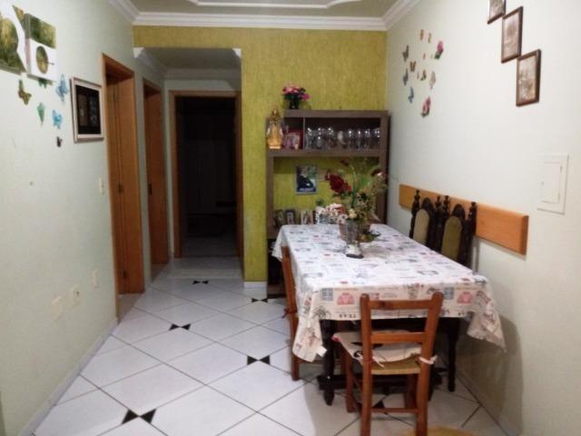 Apartamento com 03 dormitórios no São Cristóvão