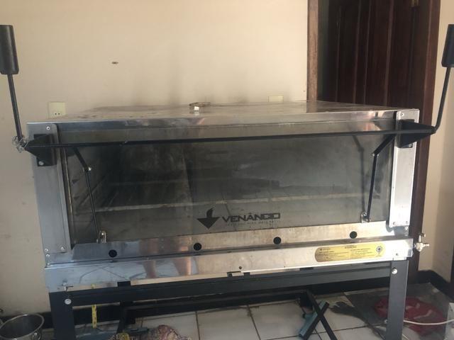 Vendo forno Venâncio a Gas