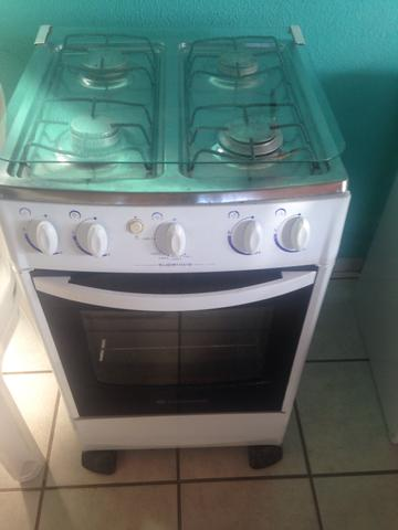 Vende-se geladeira e fogão - Foto 2