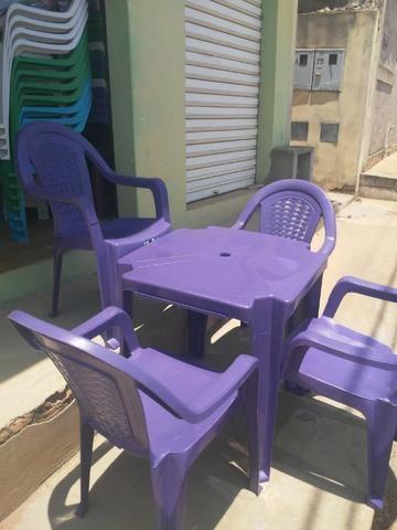 Imperdível- Conjunto de mesa c 4 cadeiras resistente - Foto 2