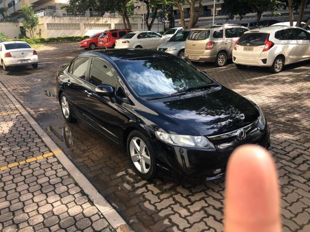 Honda Civic preto manual LXS 1.8 completo com bancos em couro. IPVA 2020 pago - Foto 7