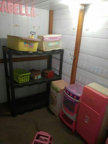 Vende-se casinha de boneca. Piso de madeira, - Foto 3