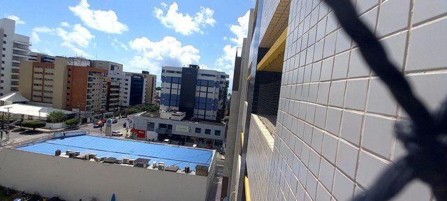 Apartamento na Ponta Verde (Edf.Eça De Queiroz) Oportunidade - Foto 2