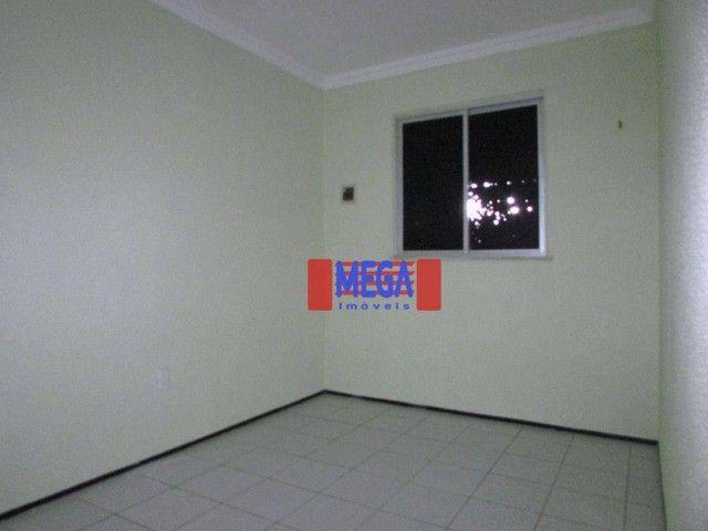 Apartamento com 2 quartos para alugar, próximo à Av. Luciano Carneiro - Foto 6