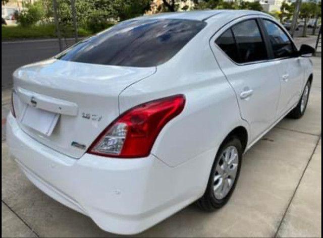 Nissan Versa SV 1.6 Aut. Flex 16/17 - Foto 5