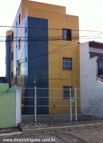 Apartamento Com 2 Quartos, por traz da AABB (Condomínio Incluso)