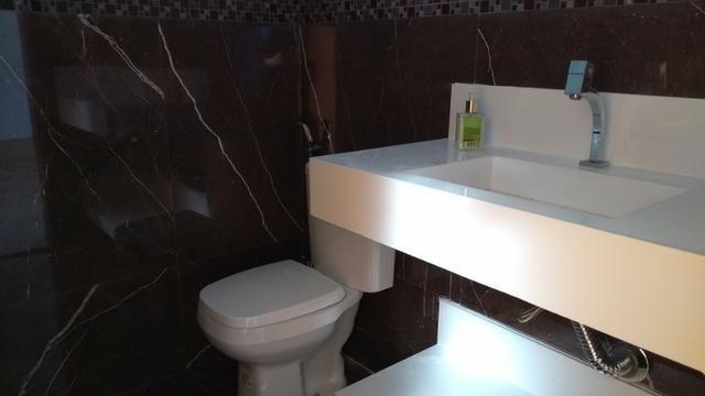 Samuel Pereira oferece: Casa 3 Suites Nova Moderna Pé Direito Duplo Piscina Churrasqueira - Foto 12