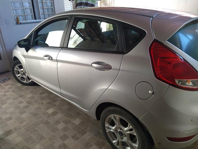 Ford New Fiesta - Foto 2
