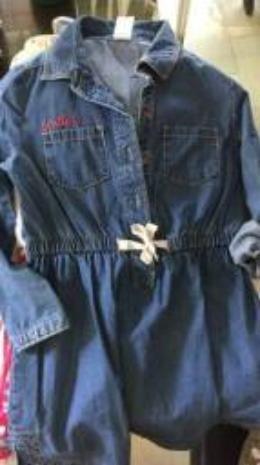 Vestido jeans menina - Carters tamanho 4-5
