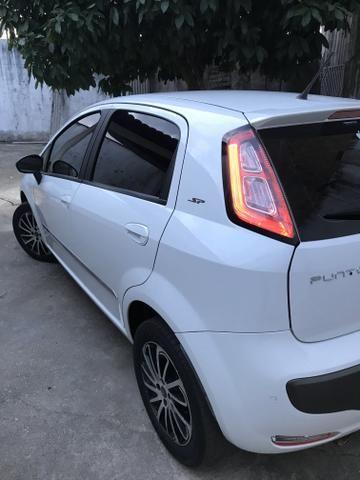 Fiat Punto essence Dualogic 1.6 16v 15/16 R$= 38,000 - Foto 8