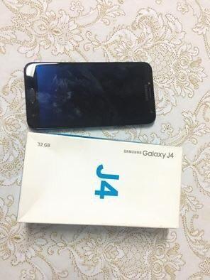 PARA VENDER HOJE !! Celular J4 32gigas+ 16gigas(cartão de memória) - Foto 3