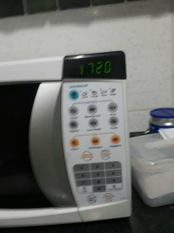 Vendo ou troco micro-ondas 20 litros