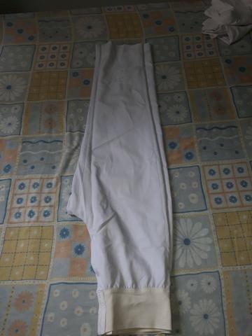 Uniformes brancos calças compridas e saia - Foto 4